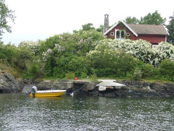 Not quite 'fjords' but the summer houses were beautiful to look at!