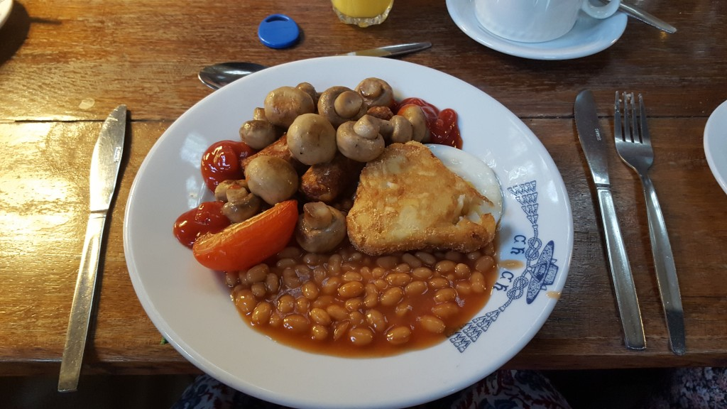 Stay at Christ Church College: Because you'll get treated to awesome breakfasts like this!