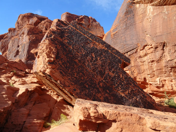 Valley of Fire tour with Pink Jeep: petroglyphs
