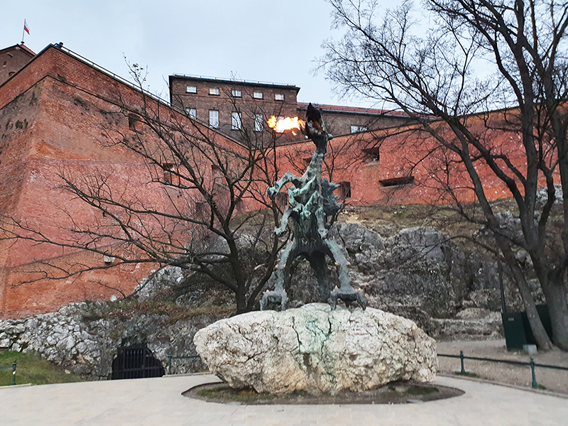 quirky things to do in krakow poland including smok fire dragon wawel castle